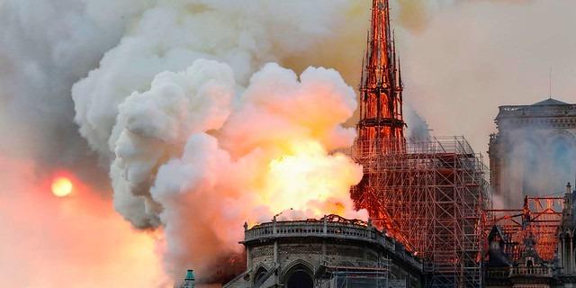 fuego Catedral de Nuestra Señora de París
